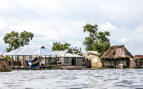 African village on the water. Ganvie, Benin.:スマホ壁紙(壁紙.com)
