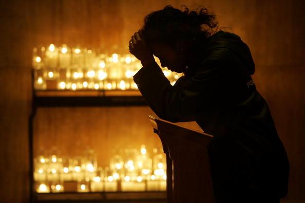 バシリカ「Catholics Pray For Ailing Pope」:写真・画像(1)[壁紙.com]