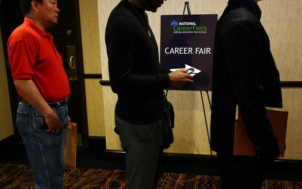 Job Search「US Economy Adds Jobs, While Unemployment Rate Rises To 9.9 Percent」:写真・画像(10)[壁紙.com]