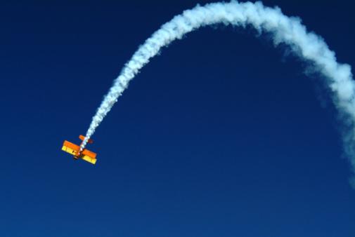 Smoke - Physical Structure「Aerobatic stunt at air show in Reno, Nevada, USA」:スマホ壁紙(18)