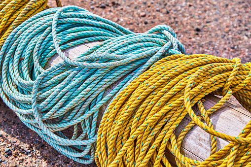 Wooden Post「Fishing ropes sitting Idle on wharf,Nova Scotia」:スマホ壁紙(18)