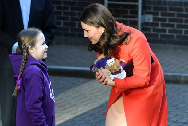 トップランキング「The Duchess Of Cambridge Visits Great Ormond Street Hospital」:写真・画像(10)[壁紙.com]