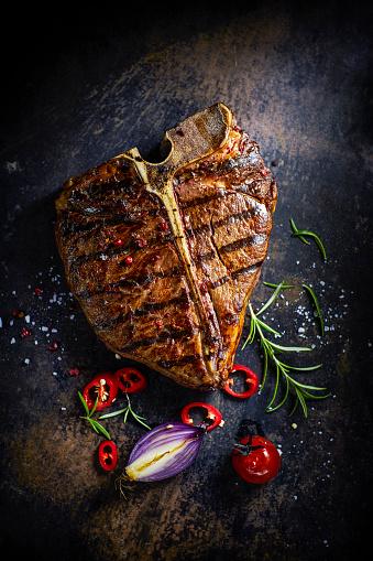 T-bone Steak「T-Bone-Steak, chili, onion, cherry tomato and rosemary」:スマホ壁紙(8)