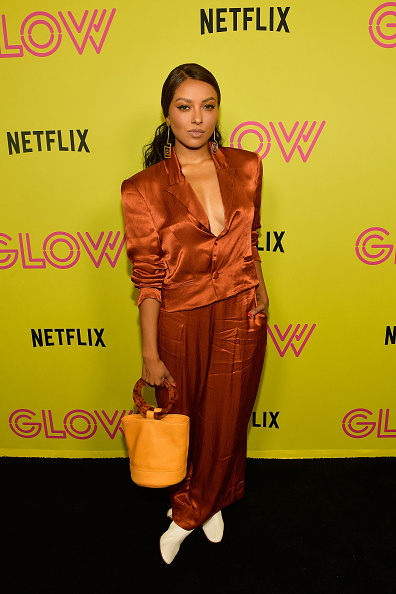 "Satin Pants「Netflix's ""Glow"" Celebrates Its 10 Emmy Nominations With Roller-Skating Event」:写真・画像(4)[壁紙.com]"