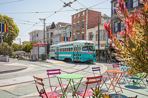 San Francisco - California「Castro Streetcar with Rainbow Flags in the streets of San Francisco」:スマホ壁紙(11)
