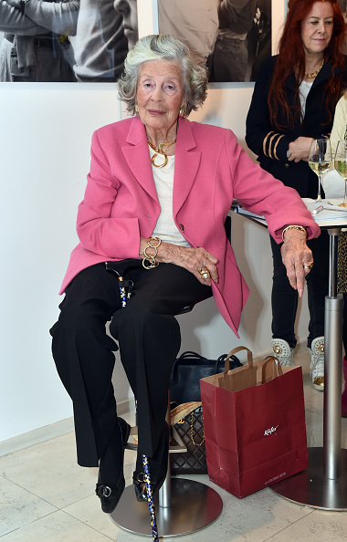 Art And Craft「Marianne Sayn-Wittgenstein-Sayn Presents Her Photo Collection At Jan B. Luehn Classic Car Showroom In Munich」:写真・画像(15)[壁紙.com]