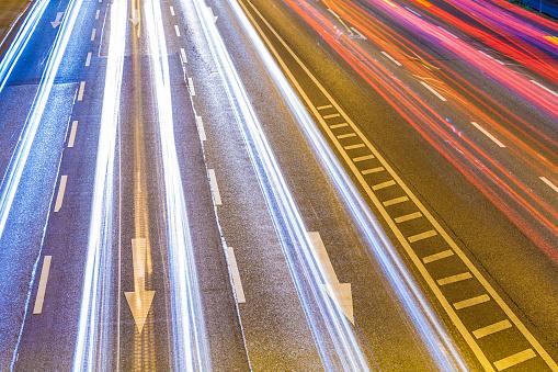Road Marking「Traffic on Federal road by night」:スマホ壁紙(19)