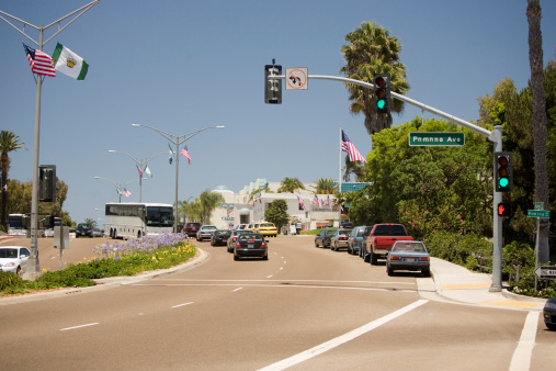 Sidewalk「Traffic on a street, Orange Street, San Diego, California, USA」:スマホ壁紙(8)