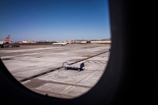 Passenger「A sunny day airport.」:スマホ壁紙(5)