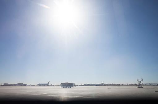 Passenger「A sunny day airport.」:スマホ壁紙(13)