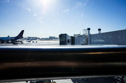 Passenger「A sunny day airport.」:スマホ壁紙(1)