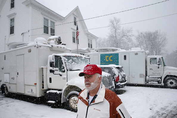 Chip Somodevilla「Trump Cancels Town Hall In New Hampshire As Snow Storm Keeps Him In New York」:写真・画像(10)[壁紙.com]
