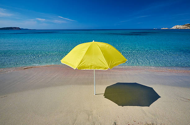 Italy, Sardinia, yellow sunshade on the beach at Rena Majori:スマホ壁紙(壁紙.com)