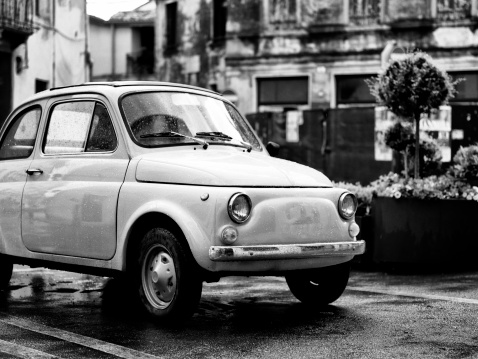 Vintage Car「Vintage italian car. Black and White」:スマホ壁紙(13)
