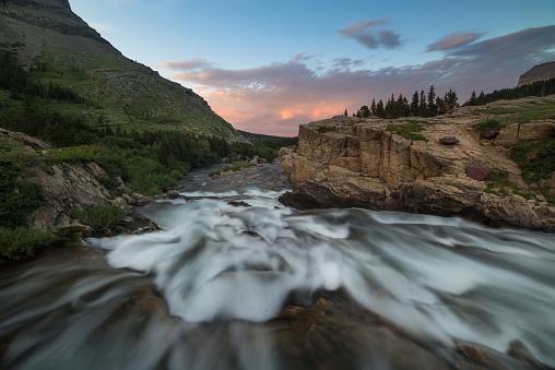 Beauty「スイフトカレント滝の氷河国立公園、モンタナ」:スマホ壁紙(13)