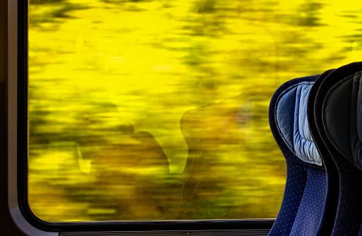 Train Interior「Looking out train window」:スマホ壁紙(10)