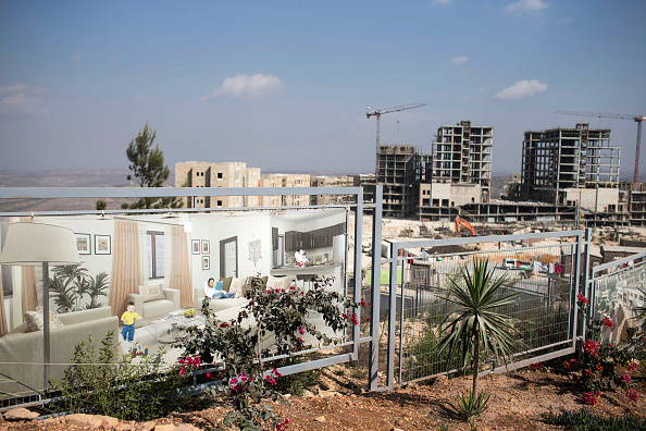 West Bank「Palestinians Work On Construction Of New City In The West Bank」:写真・画像(11)[壁紙.com]