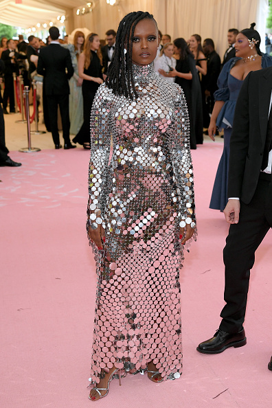 Silver Colored「The 2019 Met Gala Celebrating Camp: Notes on Fashion - Arrivals」:写真・画像(6)[壁紙.com]