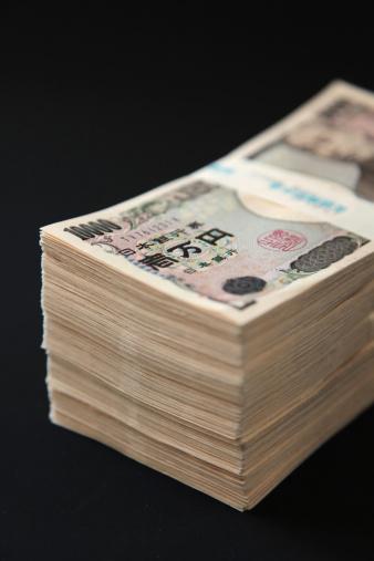 束「Stack of Ten Thousand Yen Bills」:スマホ壁紙(11)