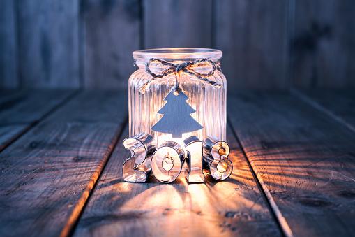 クリスマスカード「古い木 - キャンドル瓶ラベル カードを新年とクリスマスの装飾」:スマホ壁紙(6)