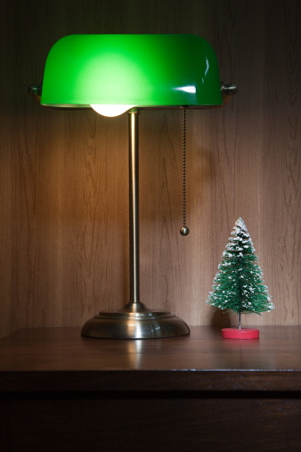 Desk Lamp「Desk lamp and miniature christmas tree」:スマホ壁紙(17)