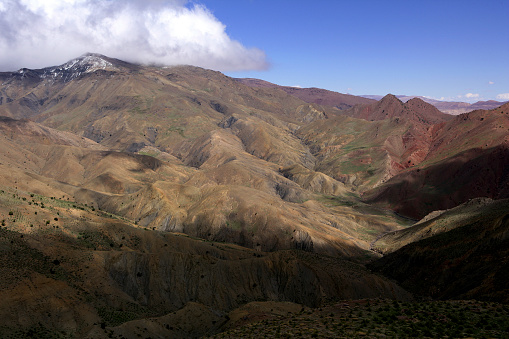 Atlas Mountains「Scenery with mountains at pass road between Ouarzazate and Marrakesh in High Atlas mountains」:スマホ壁紙(1)