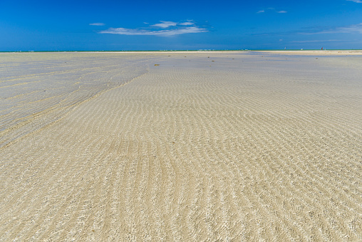 Shallow「Scenery with shallow water over sand in tropical beach in Morro de Sao Paulo, south Bahia state, Brazil」:スマホ壁紙(9)