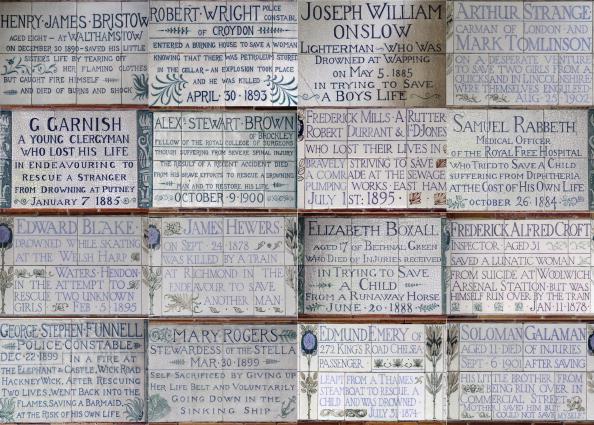 Heroes「George Frederic Watts's Memorial To Heroic Self Sacrifice In Postman's Park」:写真・画像(6)[壁紙.com]