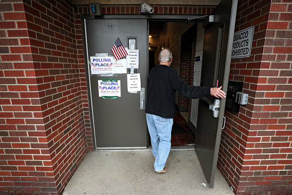 Patrick Smith「Voters Across The Country Head To The Polls For The Midterm Elections」:写真・画像(15)[壁紙.com]
