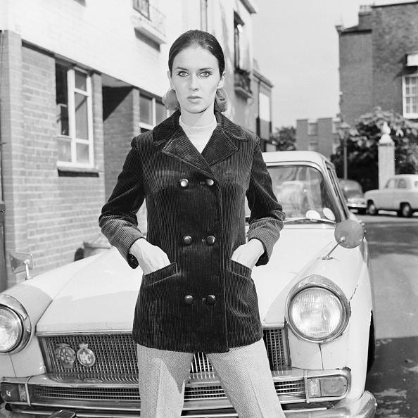Coat - Garment「Velvet Chic」:写真・画像(2)[壁紙.com]