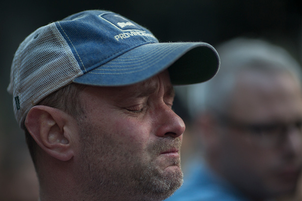 Shooing「Nation Mourns Victims Of Worst Mass Shooting In U.S. History」:写真・画像(17)[壁紙.com]