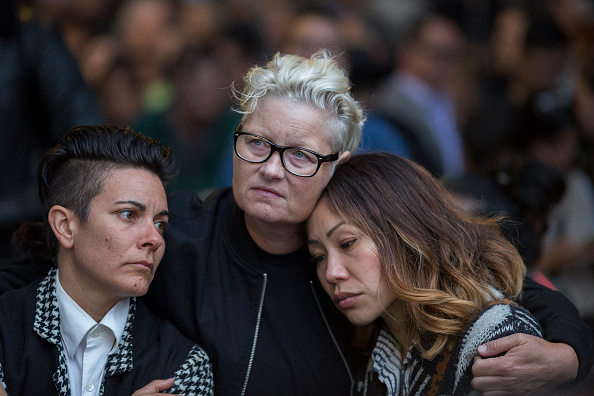 Shooing「Nation Mourns Victims Of Worst Mass Shooting In U.S. History」:写真・画像(19)[壁紙.com]