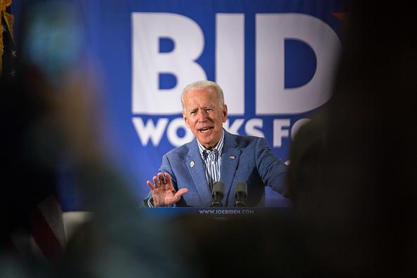 Scott Eisen「Joe Biden Campaigns At Union Local In New Hampshire」:写真・画像(3)[壁紙.com]