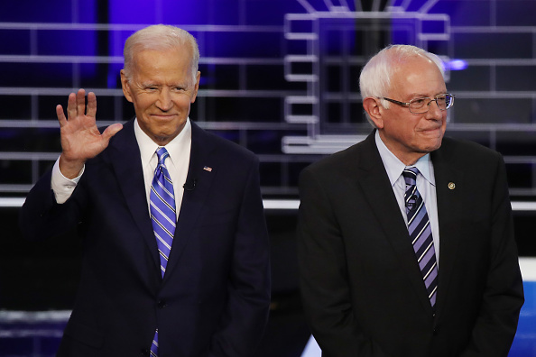 Two People「Democratic Presidential Candidates Participate In First Debate Of 2020 Election Over Two Nights」:写真・画像(18)[壁紙.com]