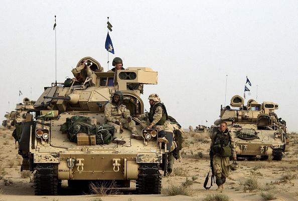 Iraq War 2003-2011「U.S. Forces Move Through Southern Iraq」:写真・画像(16)[壁紙.com]