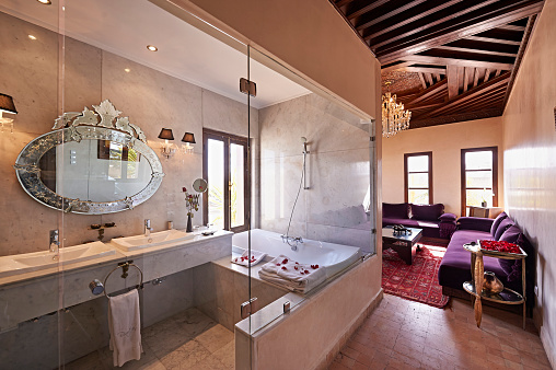 Suites「Morocco, Fes, bath in a suite of Hotel Riad Fes」:スマホ壁紙(9)