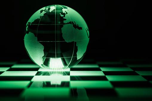 チェス「Globe on chess board」:スマホ壁紙(16)