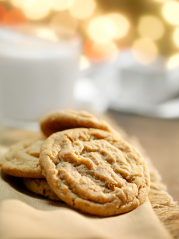 Cookie「Cookies and Milk at Christmas Time」:スマホ壁紙(1)