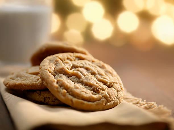 Cookies and Milk at Christmas Time:スマホ壁紙(壁紙.com)