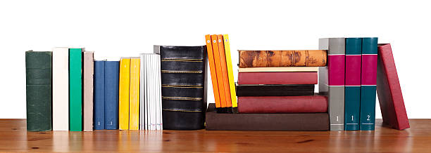 Various books in a row:スマホ壁紙(壁紙.com)