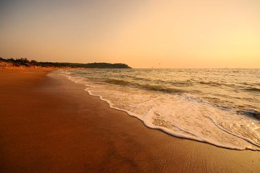 アラビア海「サンセットオン Candolim ビーチ、ゴア」:スマホ壁紙(4)