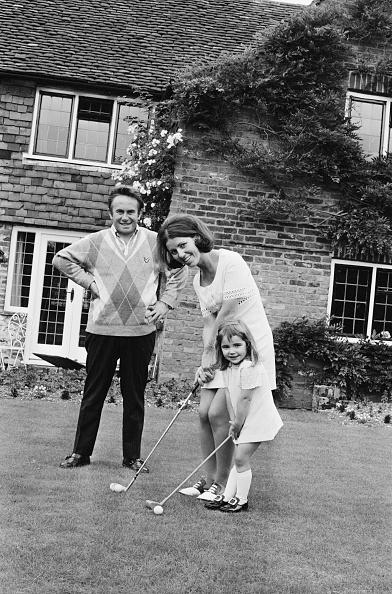 スポーツ用品「Brian Huggett And Family」:写真・画像(0)[壁紙.com]