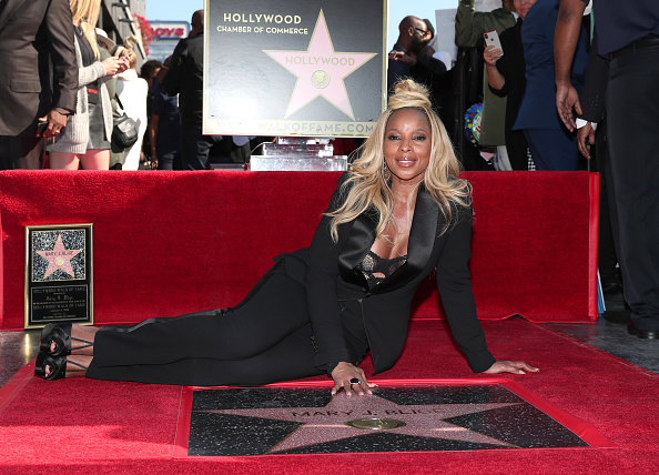 Walk Of Fame「Mary J. Blige Is Honored With A Star On The Hollywood Walk of Fame」:写真・画像(6)[壁紙.com]