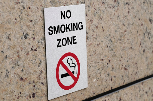 No Smoking Sign「A sign placed on a no smoking zone」:スマホ壁紙(7)