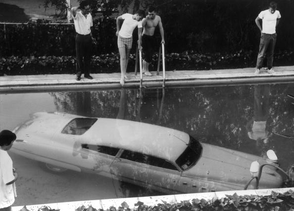 Beverly Hills - California「Underwater Auto」:写真・画像(2)[壁紙.com]