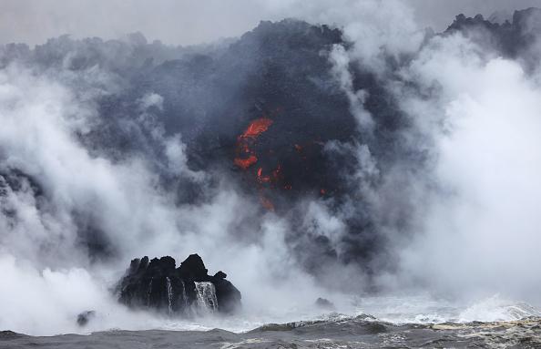 Hawaii Islands「Hawaii's Kilauea Volcano Erupts Forcing Evacuations」:写真・画像(12)[壁紙.com]