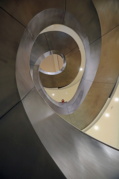 Staircase「Helical Staircase Unveiled At The Wellcome Collection」:写真・画像(13)[壁紙.com]
