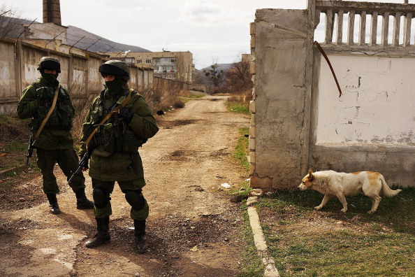 Russian Military「Tensions Grow In Crimea As Diplomatic Talks Continue」:写真・画像(15)[壁紙.com]