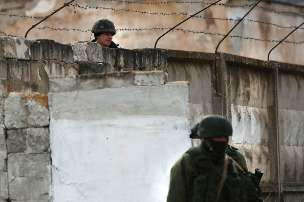 Russian Military「Tensions Grow In Crimea As Diplomatic Talks Continue」:写真・画像(18)[壁紙.com]