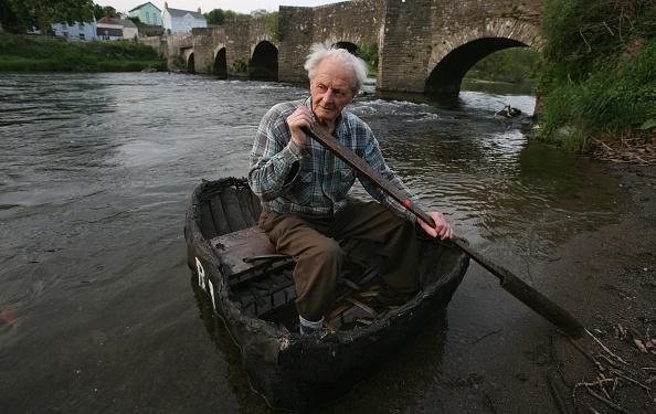 Rowboat「Coracle Fishermen Face An Uncertain Future」:写真・画像(3)[壁紙.com]